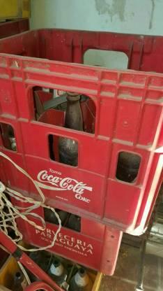 Botellas vacías con o sin cajas