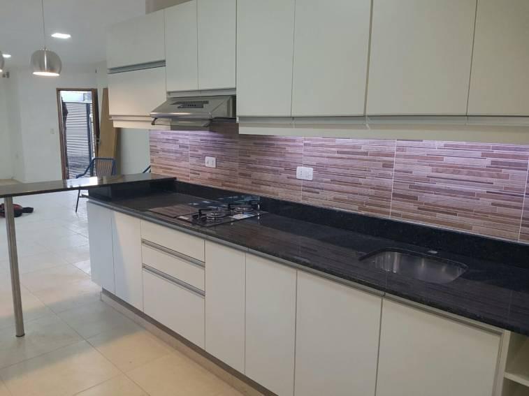 Muebles de cocina a medida sergio karim for Muebles cocina a medida