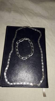 Cadena de plata y pulsera