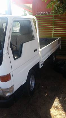Toyota dina 1998