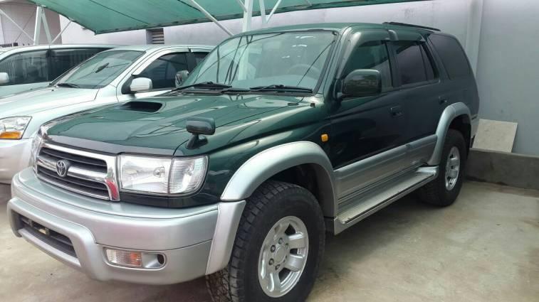 Toyota Hilux 2000 automático diésel