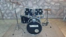 Batería Yamaha color negro