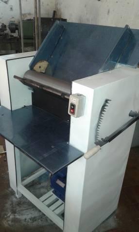 Refinadora amasadora y horno