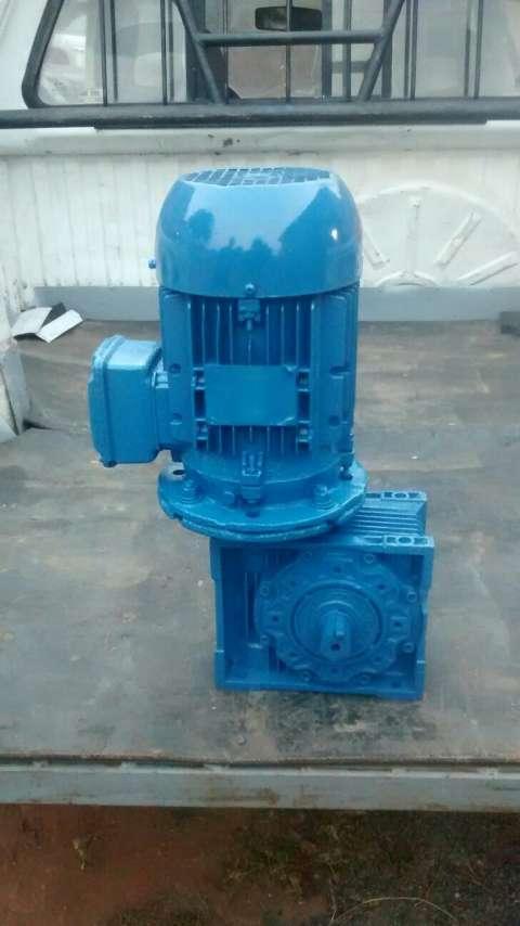 Motor con reductor 2 hp