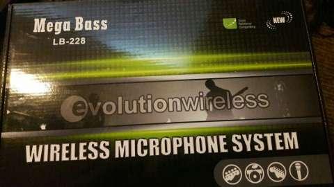 Micrófono inalámbrico mega bass