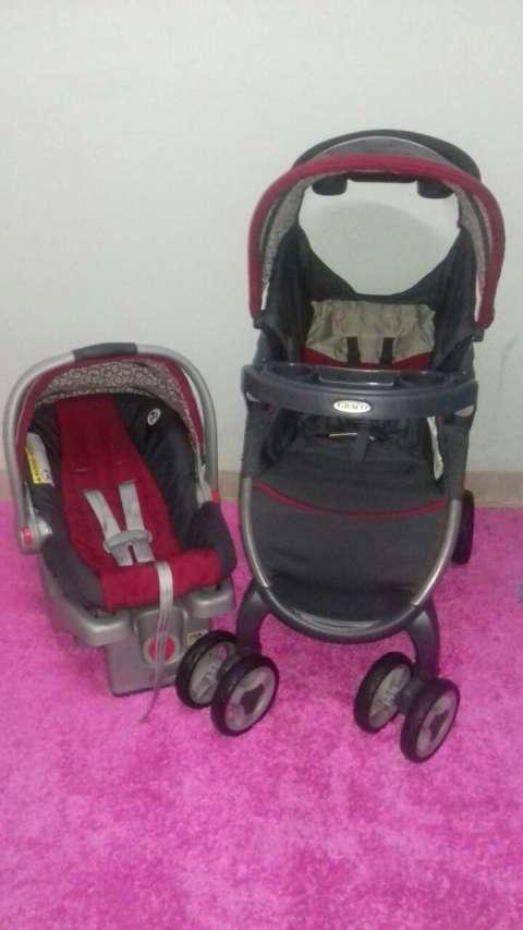 Juego para bebé Graco carrito y baby car