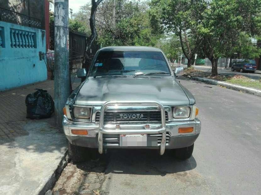 Toyota Hilux Surf 1990