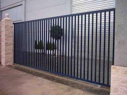 Puertas metalicas de segunda mano puerta garaje diseo for Puertas correderas de segunda mano