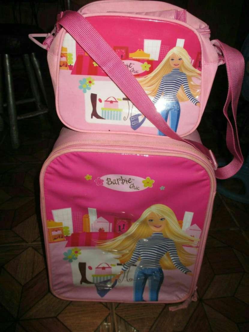 Bolsón con ruedas de Barbie y mochila