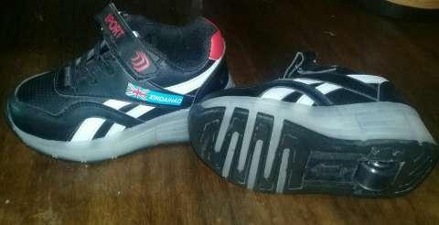 zapatos nike tres letras