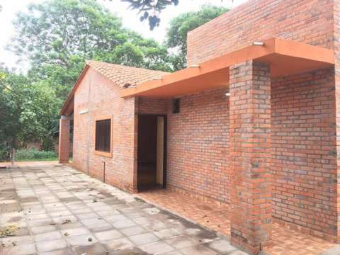 Casa en San Lorenzo barrio lucerito