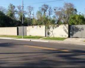 Casa en San Bernardino sobre asfalto principal
