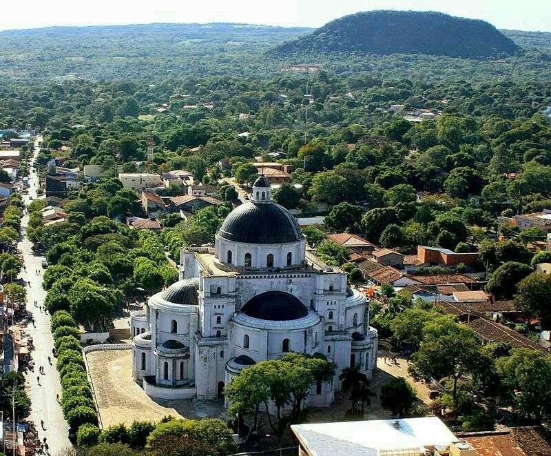 Casa en Caacupé a 4 cuadras de la Basílica