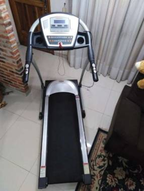 Caminadora Athletic Advanced 990t