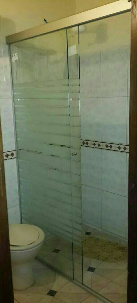 Mampara para baño de vidrio blindex arenado rayas de 8mm - 1