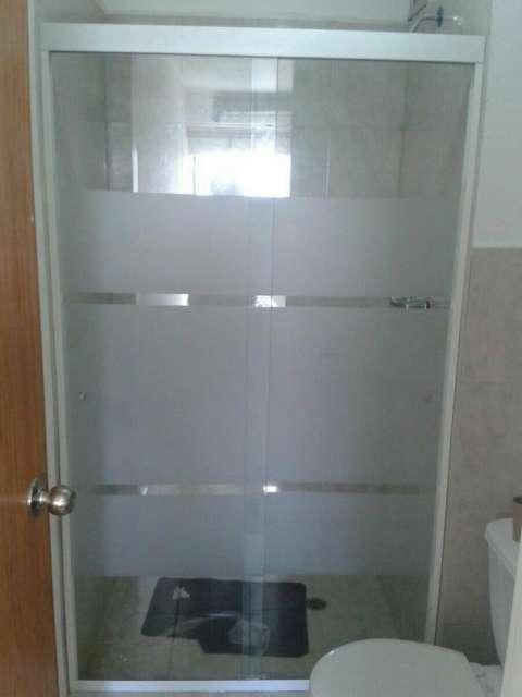 Mampara para baño de vidrio blindex arenado rayas de 8mm - 3