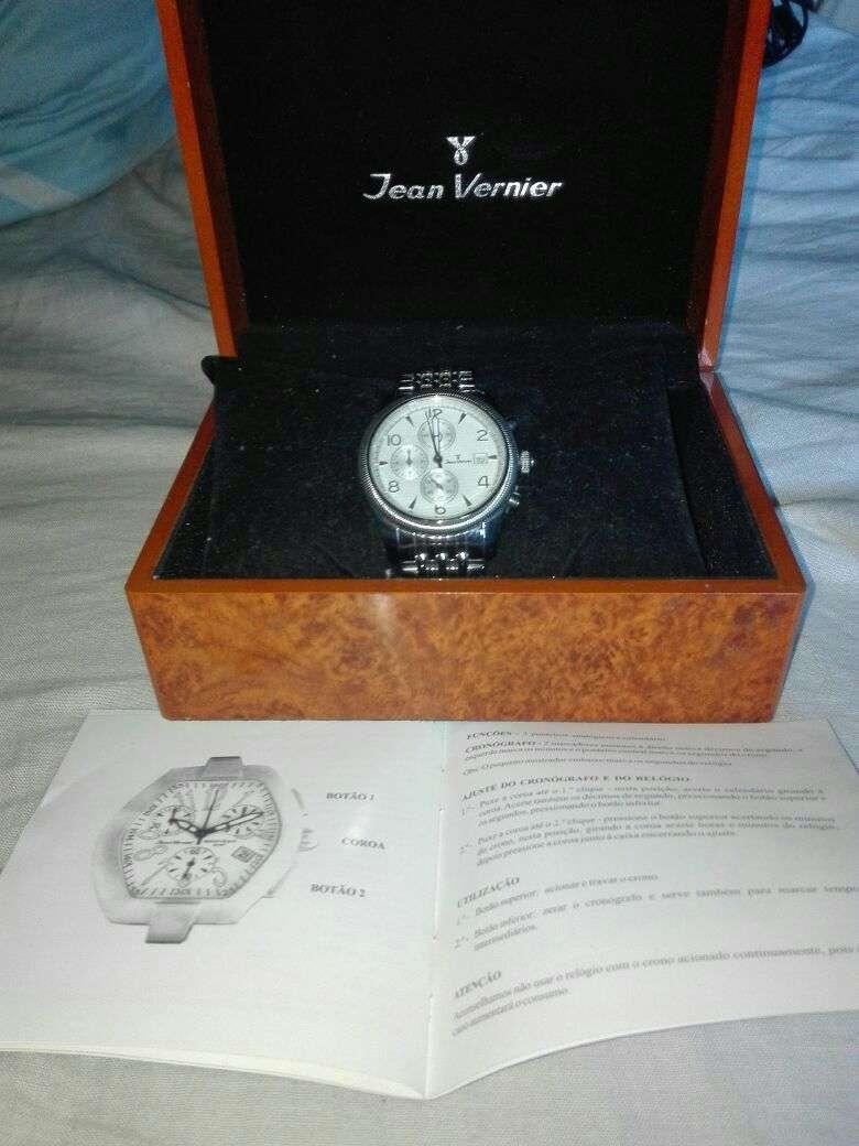 Reloj Jean Vernier