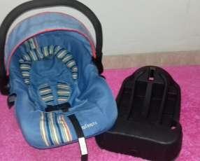 Asiento para bebé con base para el auto