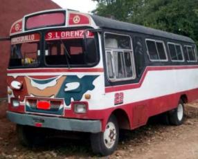 Colectivo 1977 para 22 pasajeros
