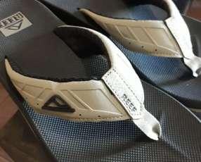 Zapatillas tipo sandalia Reef
