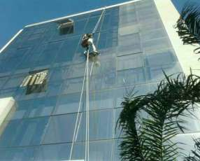 Limpieza de vidrios para edificios