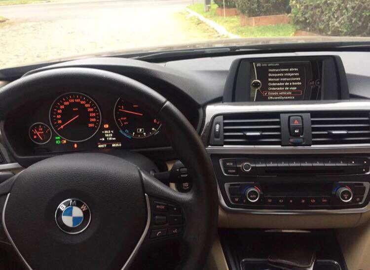 BMW 320D Luxury 2013 - 2