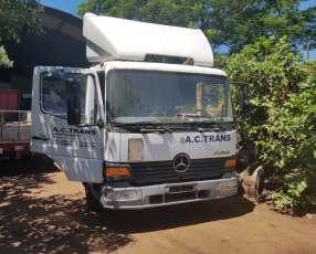 Mercedes Benz Atego alemán 2001 recién importado