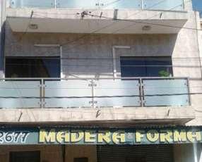 Local multifuncional zona Mercado 4 con salida a 2 calles