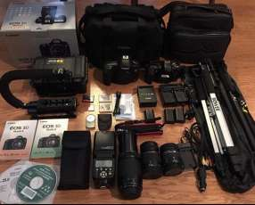 Camara Canon EOS 5D Mark III Body /w KIT(24-105 IS) SLR Camera 23.4