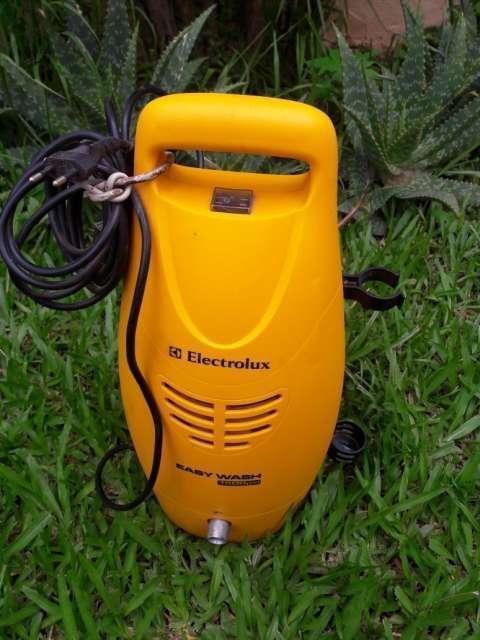 Hidrolavadora Electrolux Easy Wash 1500 psi