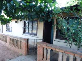 Casa en esquina Barrio Molino