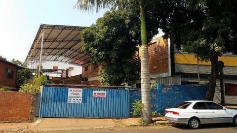 Tinglado en zona comercial Avenida Eusebio Ayala