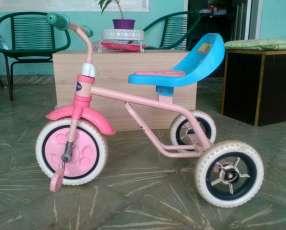 Triciclo para criatura