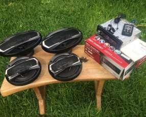 Autoradio Pioneer con 4 parlantes
