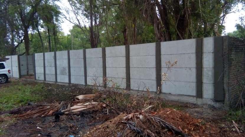 Instalación de muralla con bloques de hormigón pre moldeado - 3