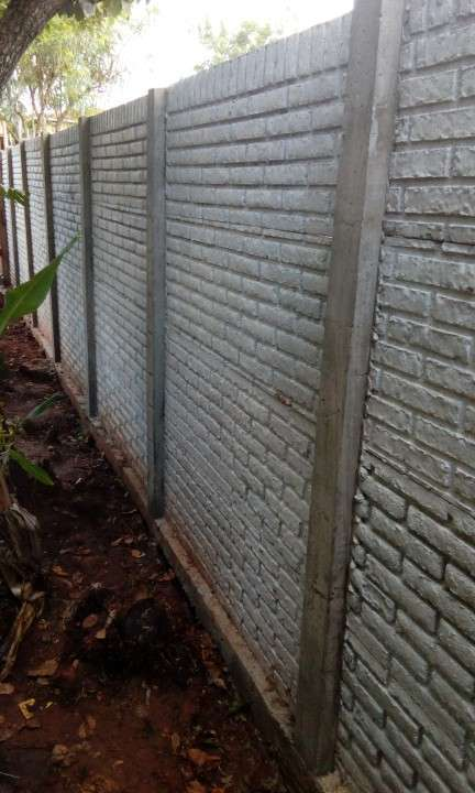Instalación de muralla con bloques de hormigón pre moldeado - 5