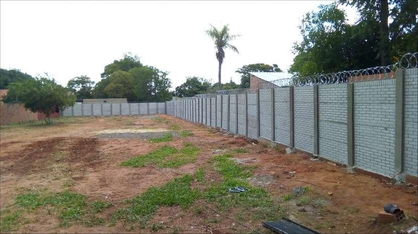 Instalación de muralla con bloques de hormigón pre moldeado - 8