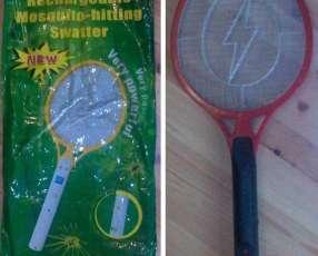 Raqueta matamosquitos recargable
