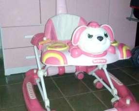 Andador bebeglo color rosa con blanco, con para sombra!