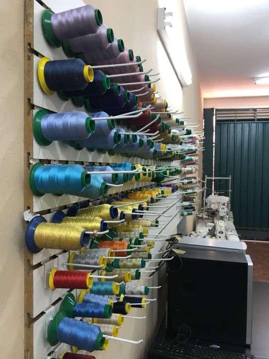Maquinas industriales de costura, y varios otros para confeccion