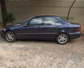 Mercedes Benz C270 CDI 2002 azul