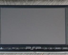 PSP con estuche juegos y accesorios