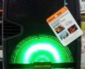 Parlante portátil Megastar 20.000 watts