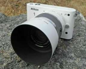 Cámara Nikon semi profesional