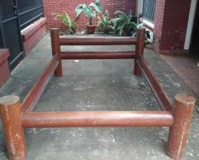 Cama rústica de madera masisa