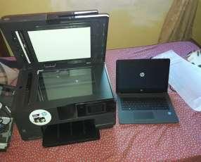 Notebook HP con una impresora HP