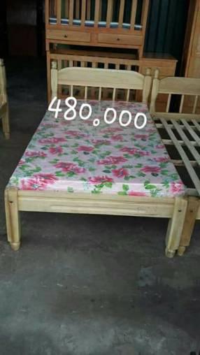 Cama de una plaza y media con colchón