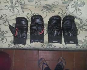 Bolsa de boxeo con guantes