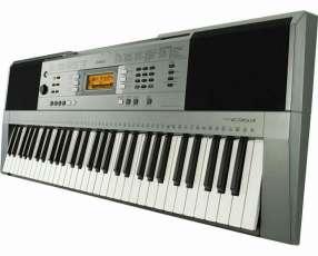 Teclados Yamaha PSR E 353