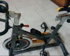 Bicicleta Spinning evolution sp 2500 para 120 kilos